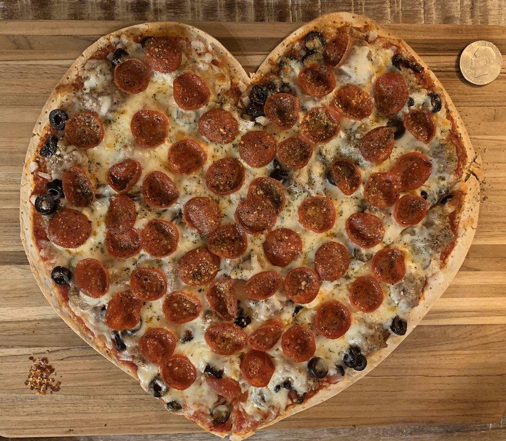 Giuseppe's Pizzeria: 615 Main St, Delafield, WI