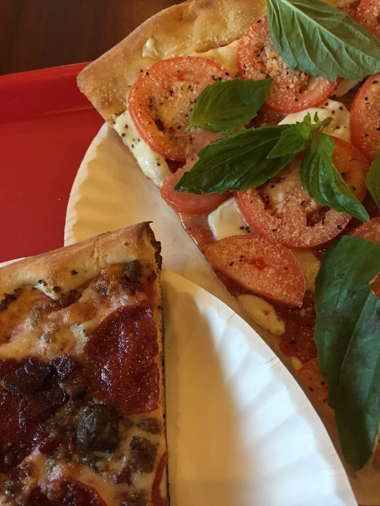 Vinny's By The Slice & More: 50 E Green St, Champaign, IL