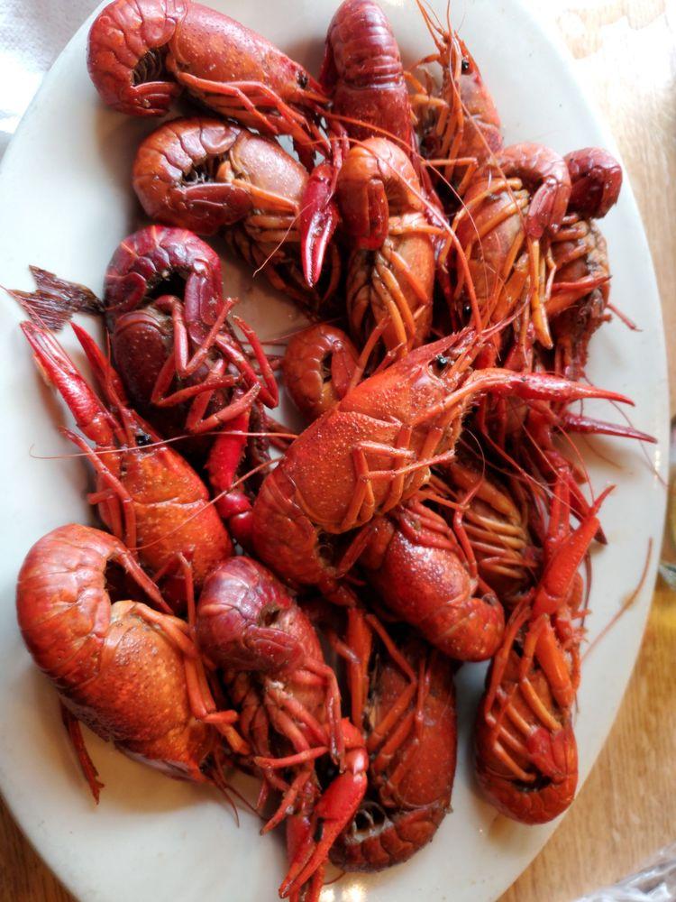 Orlando's Seafood Restaurant: 304 Highway 22 W, Madisonville, LA