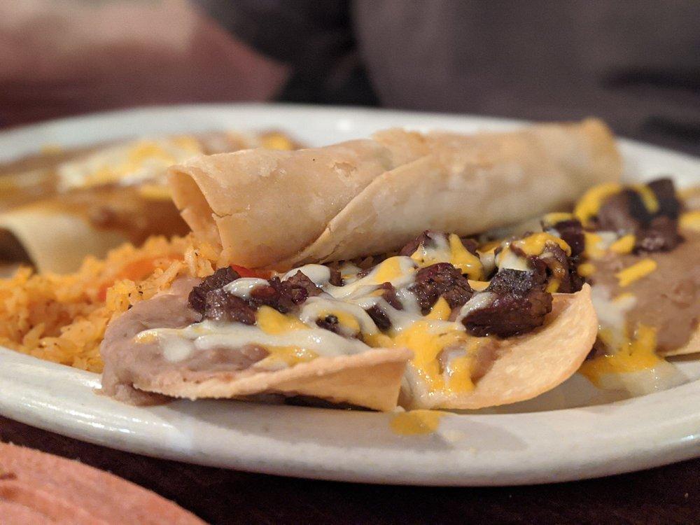 El Toro Mexican Restaurant: 616 W Main St, La Porte, TX