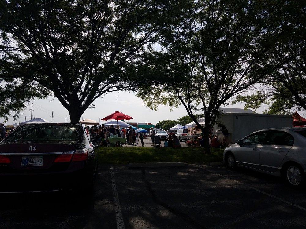 Avon Farmers Market: 8244 East US Hwy 36, Avon, IN