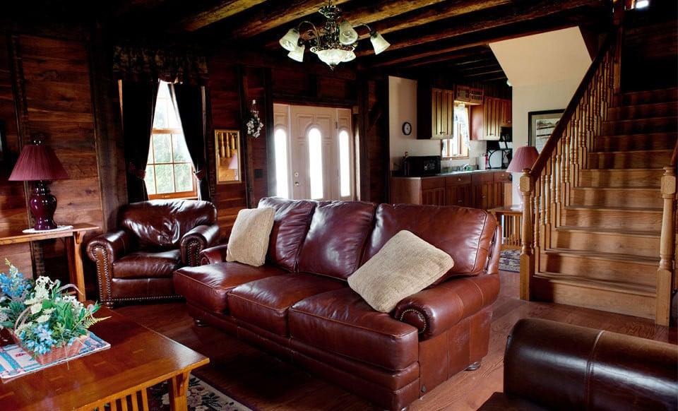 Pine Lakes Lodge: 61680 Buskirk Ln, Salesville, OH