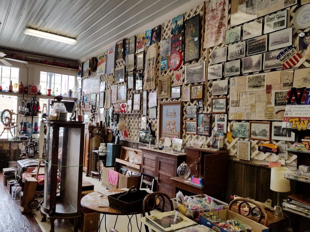 North Salem Antiques & Sundries: 15 W Pearl St, North Salem, IN