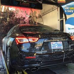 Wiki wiki car wash 22 photos 28 reviews car wash 7910 n tryon st university city for Interior car detailing charlotte nc
