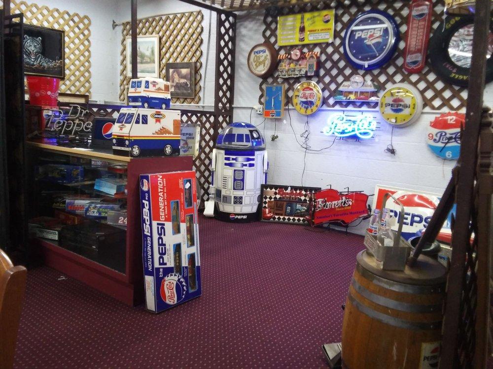 Tater's Junk & Disorderly Flea Market: 3050 Hwy 52, Eldon, MO