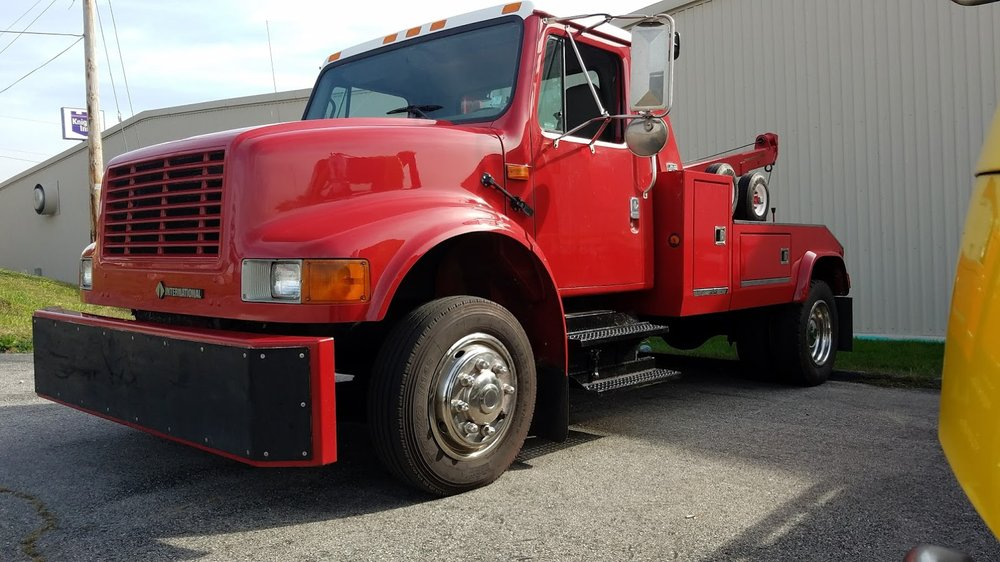 Priority One Towing, Recovery, & Services: 112 S Lincoln Dr, Troy, MO
