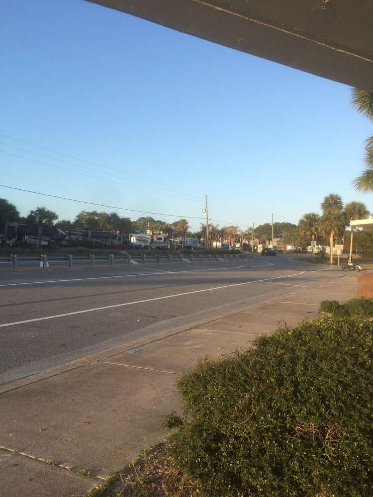 Carrabelle Beach RV Resort: 1843 Hwy 98 W, Carrabelle, FL