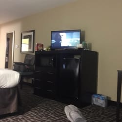 Photo Of Holiday Inn Express Hastings Mi United States Room Clean