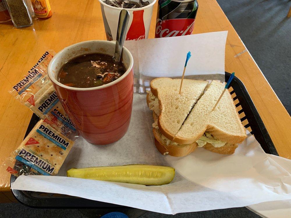 Krimson Kafe: 40 Greensboro Hwy, Watkinsville, GA