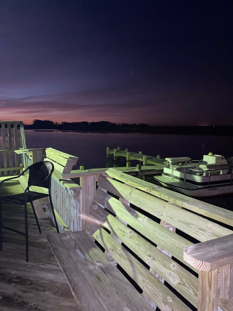 Blue Crab Tavern: 1180 Colington Rd, Kill Devil Hills, NC