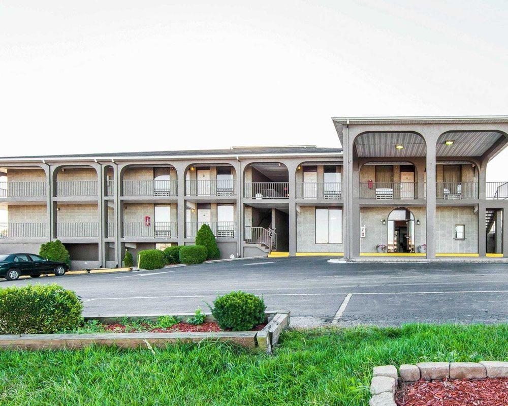 Quality Inn: 1428A US 68, Maysville, KY