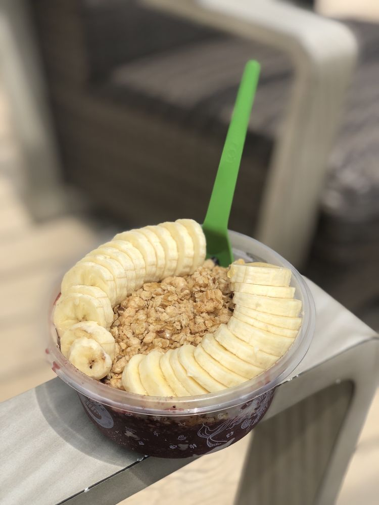 Playa Bowls: 3045 Center Valley Pkwy, Center Valley, PA