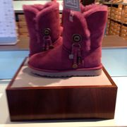 UGG Outlet Photos Reviews Shoe Stores E Ventura - Free creative invoice template official ugg outlet online store