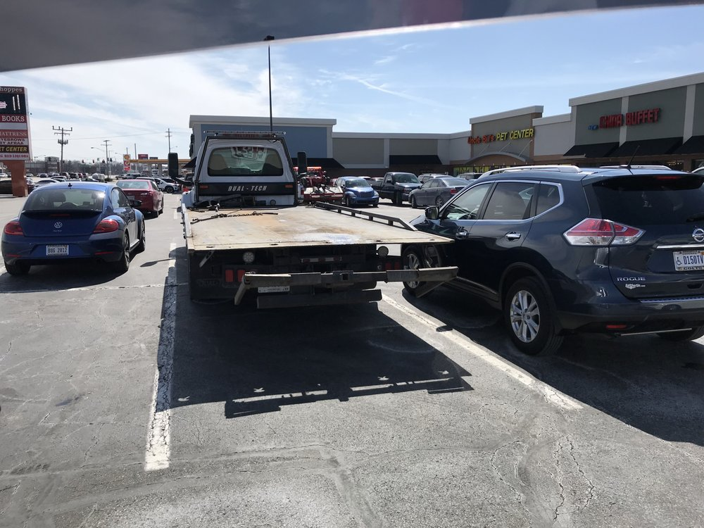 Towing business in New Whiteland, IN
