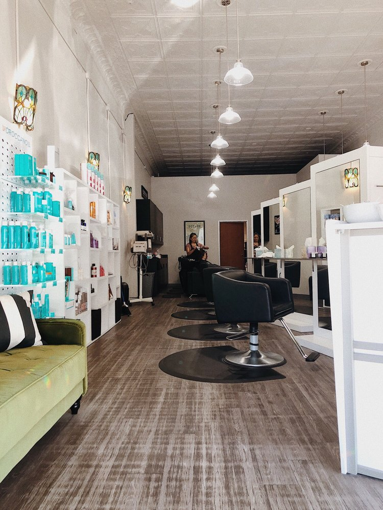 Captiva Hair Salon & Spa: 204 W Oak St, Denton, TX