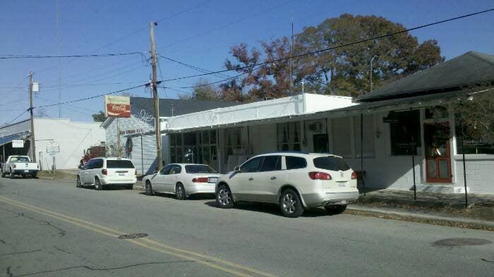Mae's Restaurant: 300 Main St, Seven Springs, NC