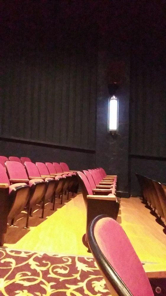 Melba Theater: 115 W Main St, Batesville, AR