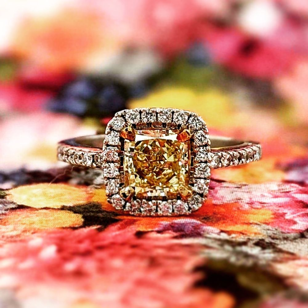 DeAngelos Jewelry: 3900 Pelandale Ave, Modesto, CA