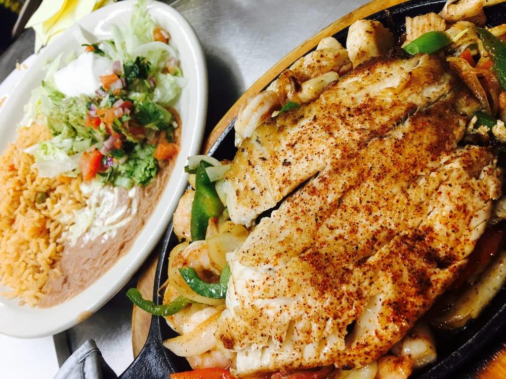 Cancun Mexican Grill: 1011 Elm St, Hays, KS