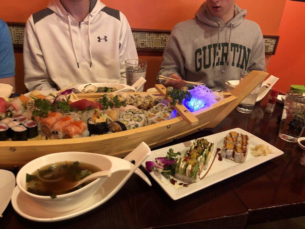 Yoshimama Japanese Fusion & Sushi Bar: 427 Amherst St, Nashua, NH
