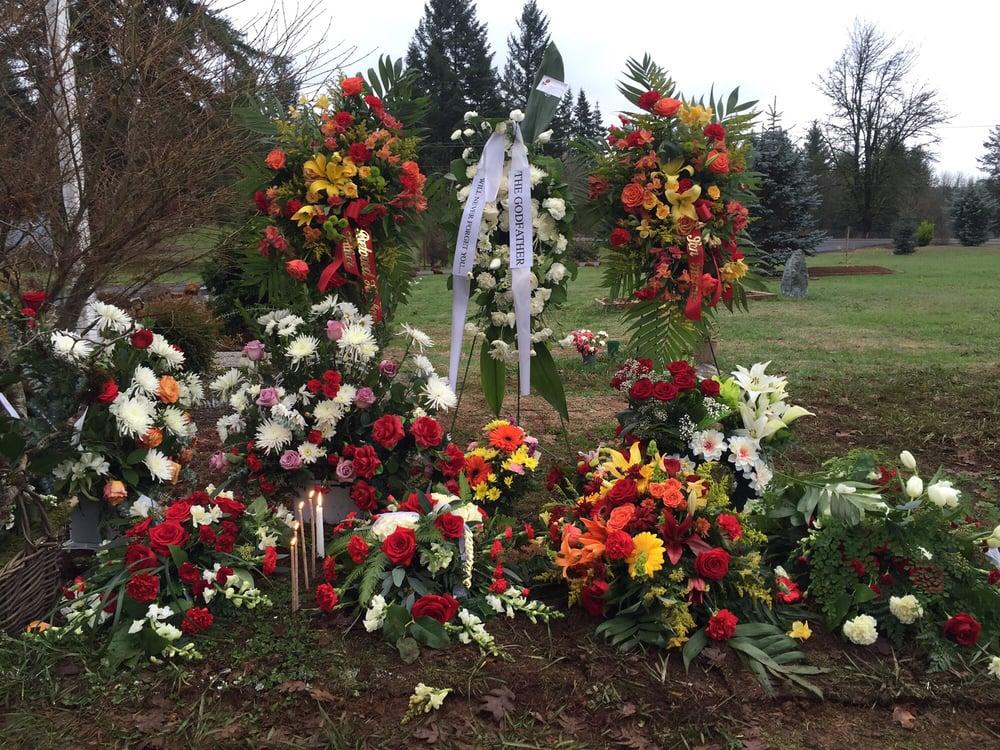 Fern Prairie Cemetery: 26700 NE Robinson Rd, Camas, WA