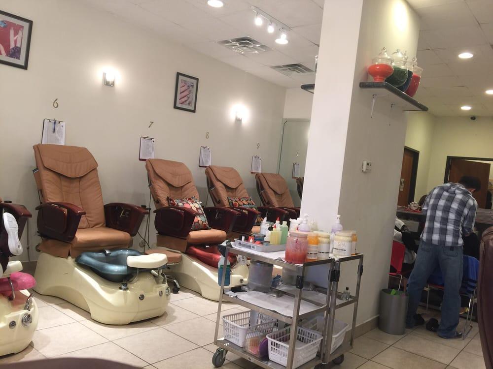 Resort nails spa 12 reviews 10 photos nail salons for 10 over 10 nail salon