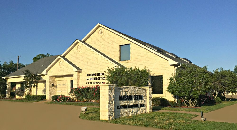 Mabank Dental & Orthodontics: 302 N 3rd St, Mabank, TX