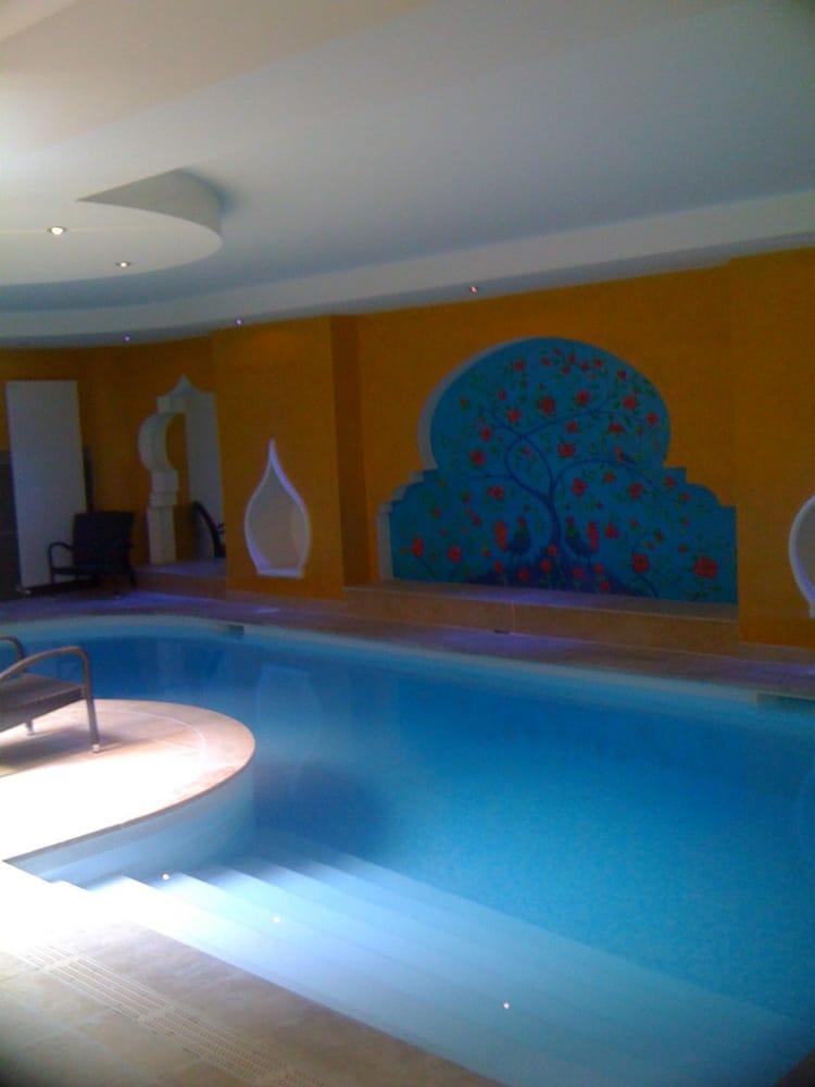 les bains du temple saunas 15 rue du faubourg du. Black Bedroom Furniture Sets. Home Design Ideas