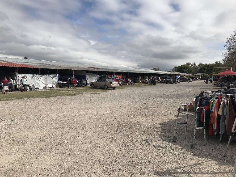 Sal's Flea Market: Spur 239, Del Rio, TX