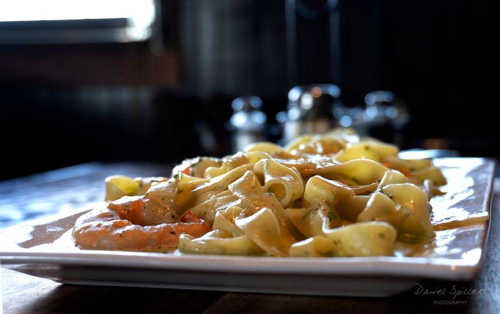 Milano's Italian Grill: 100 Constitution Cir, West Monroe, LA