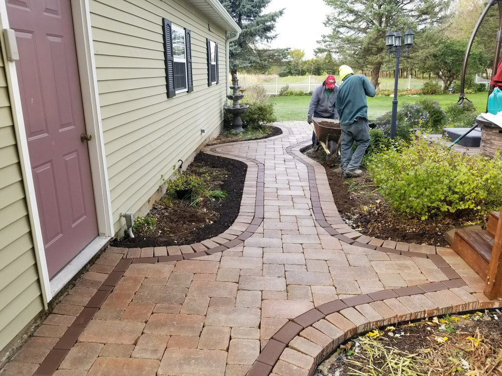 River Landscaping & Tree Service: 35028 1600 North Ave, Ladd, IL