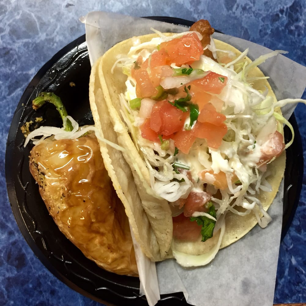 Fish taco served with a seasoned chili so freakin good for Good fish tacos near me