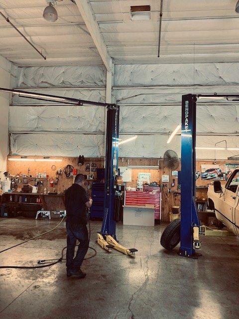 Cloverdale Express Oil & Car Repair: 60 Commerce Ln, Cloverdale, CA