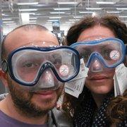 10c0261b200f Il negozio dentro Foto di Decathlon - Sesto Fiorentino, Firenze, Italia.  Maschere da sub ne vuoi