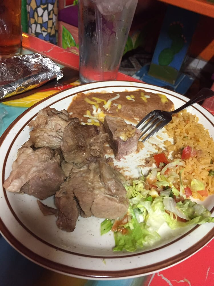 La Fiesta Mexican Restaurant: 2123 North Summit St, Arkansas City, KS