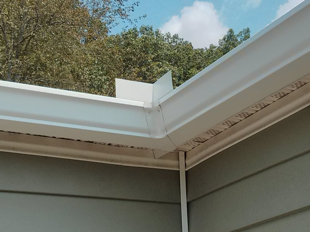 6 Quot White Inside Corner By Tn Seamless Gutters Yelp