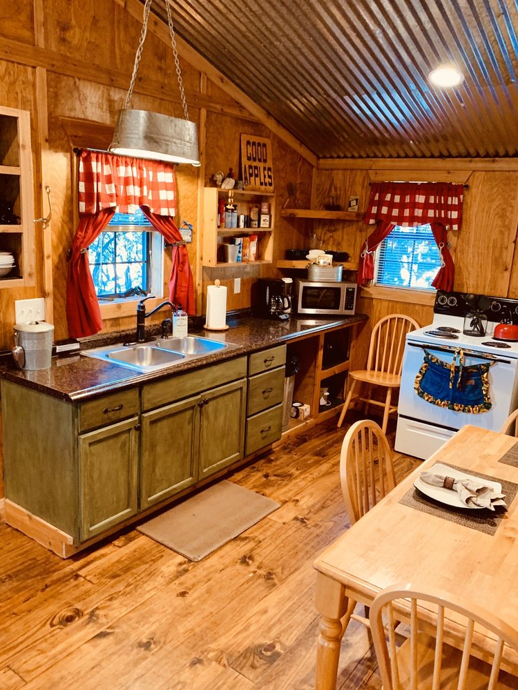 Anderson Creek Cabins: 1442 Moody Ln, Glen Rose, TX
