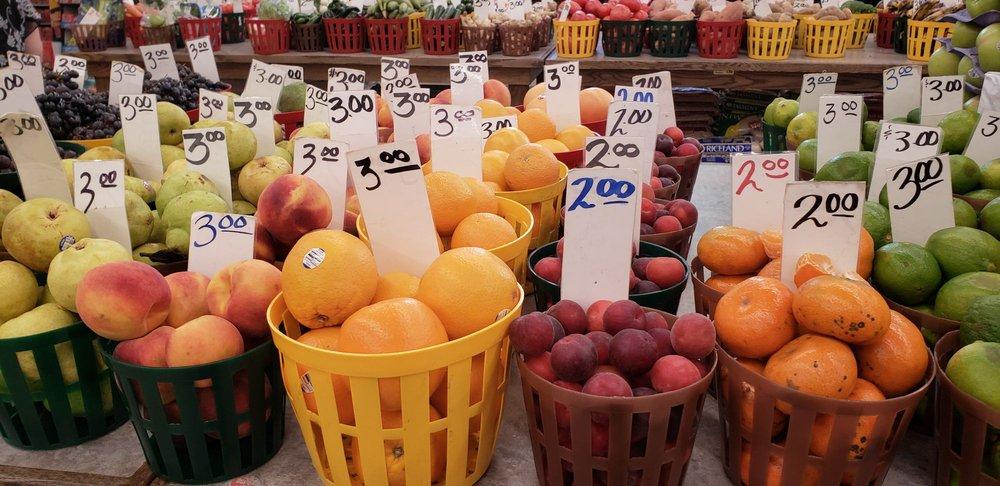Pete's Fruit Market - Bronzeville