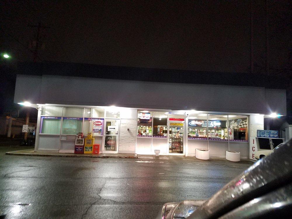 Zeakes Sunoco & Carryout: 401 Main St, Bridgeport, OH