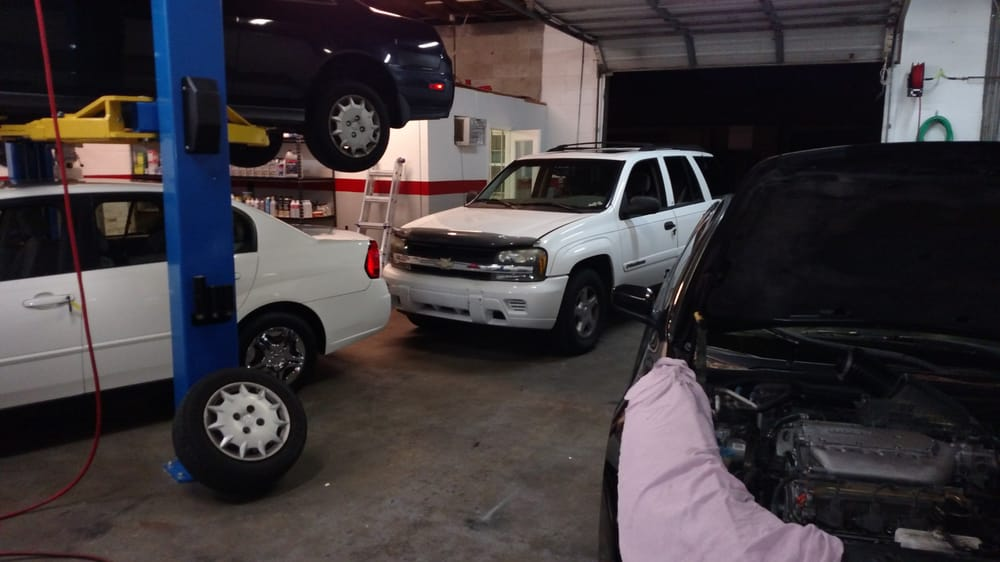 Towing business in Lake Magdalene, FL