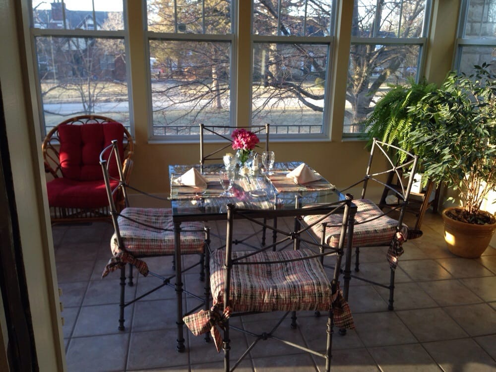 Hawthorn A Bed & Breakfast: 1 Hawthorne Pl, Independence, MO