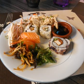 sushi wok 19 photos 16 avis sushis 1 chemin jean marie vianney cully rh ne france. Black Bedroom Furniture Sets. Home Design Ideas
