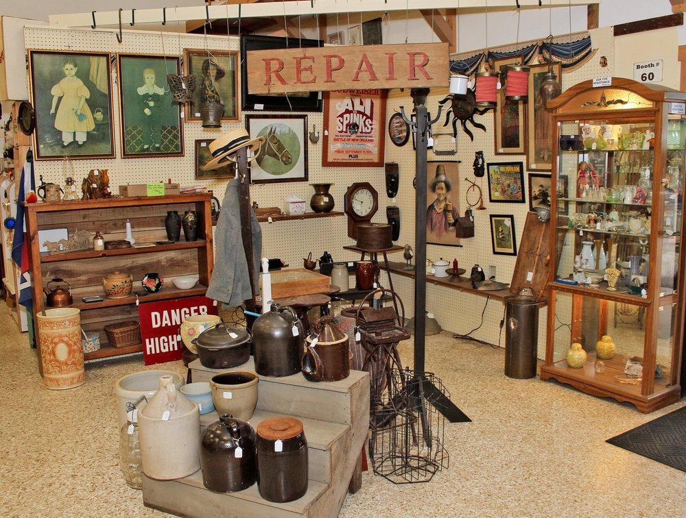 Berlin Antique Mall: 4359 State Rte 39, Millersburg, OH