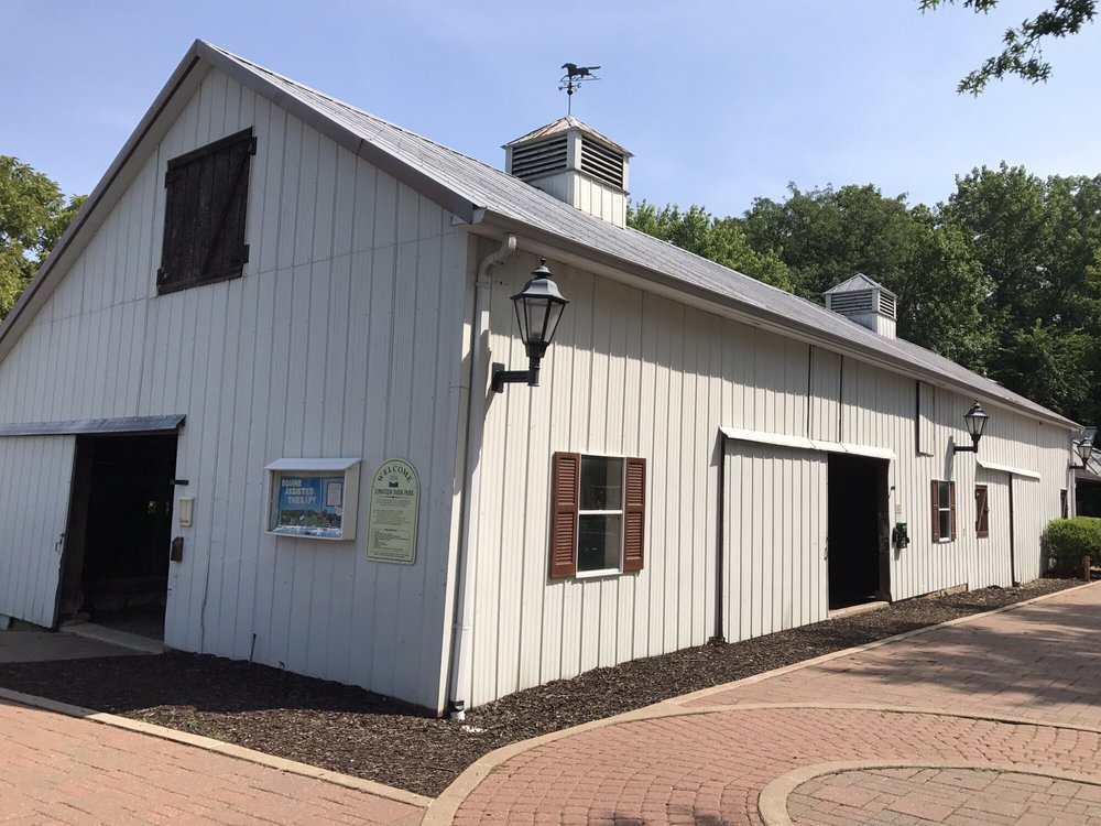 Longview Farm Park: 13525 Clayton Rd, Saint Louis, MO