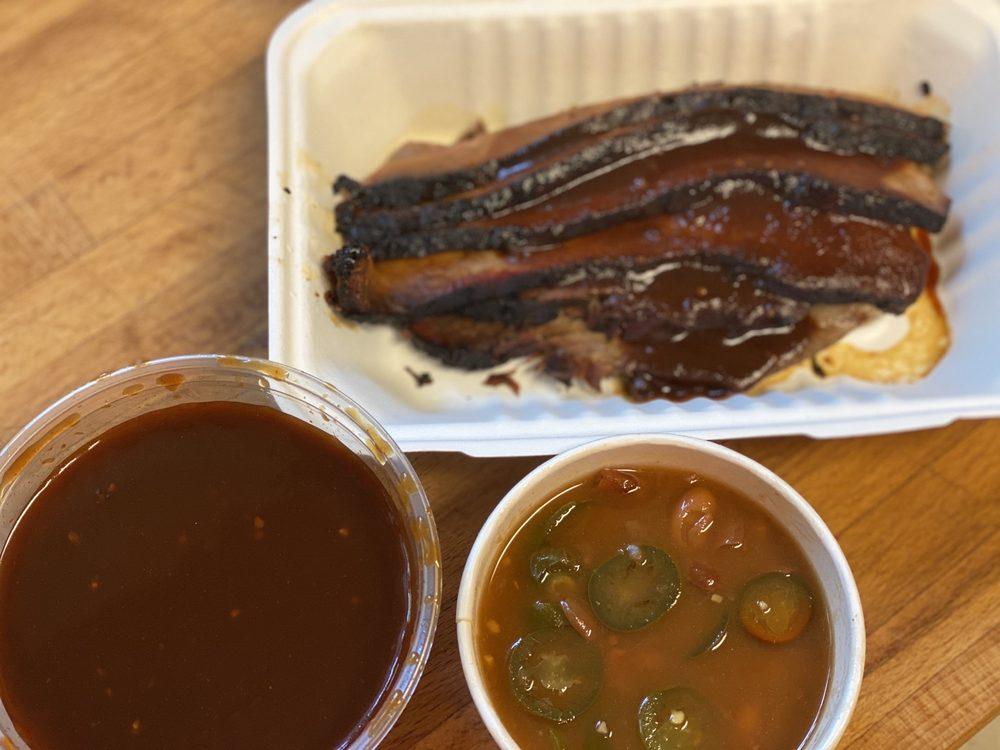 Mountain View Barbeque: 106834 U Hwy 395, Coleville, CA