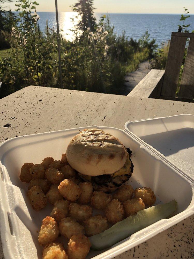 Woody's Food & Spirits: 86985 Lenawee Rd, Herbster, WI