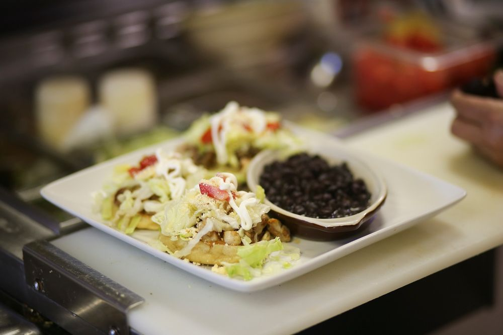 Armando's Tacos & Grill: 601 2nd Ave SE, Moultrie, GA