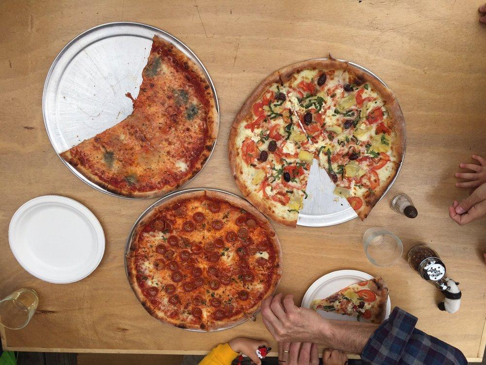 Finn's Pizza: 4287 Homer Spit Rd, Homer, AK