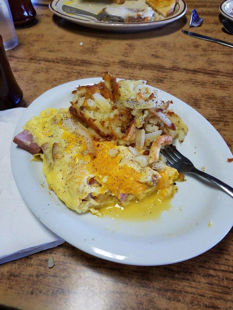 Wayside Cafe: 325 S 325th W, Rupert, ID