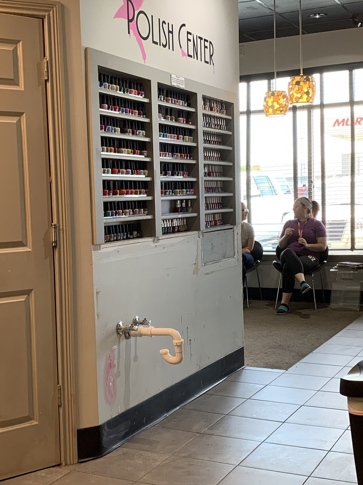 Queen Nail Spa: 5134 Hinkleville Rd, Paducah, KY